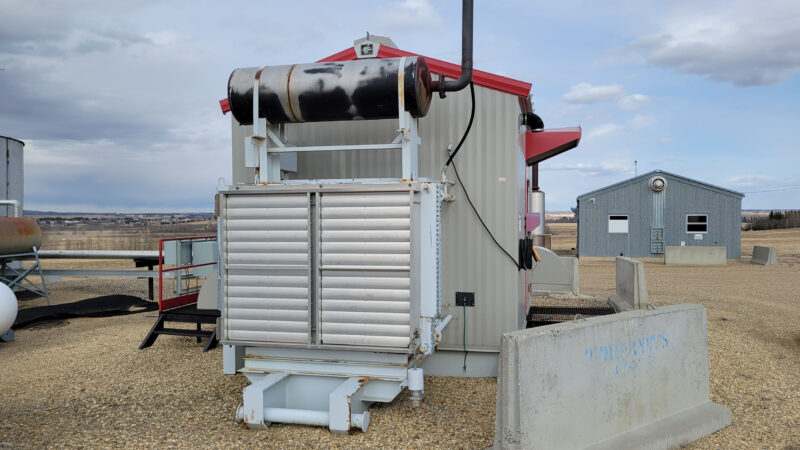 Used 95HP Natural Gas Screw Compressor CAT 3304NA and Kobelco 16LV CJV1947 for sale in Alberta Canada oilfield oil and gas energy equipment exterior 2